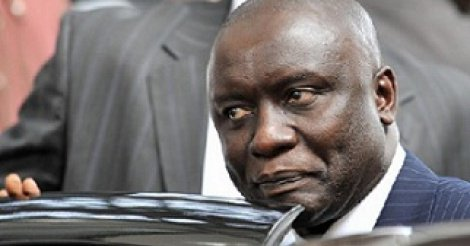 """Idrissa Seck : """" ce nain dont le calibre de la tête est disproportionnel au reste du corps qui se prend au sérieux """" (Moise rampino)"""