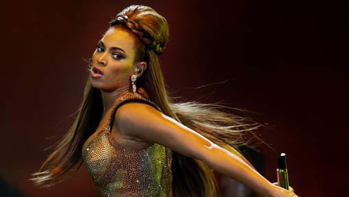 """Mort de deux hommes noirs, le cri du coeur de Beyoncé: """"La haine ne peut pas gagner"""""""