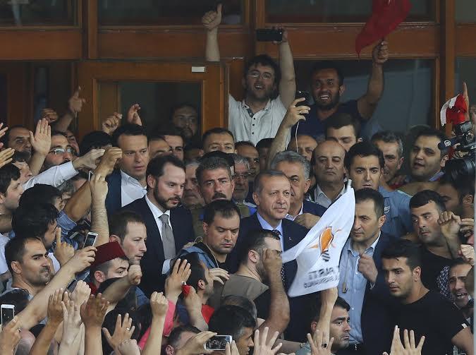 En images -Turquie : La déroute des militaires après une tentative de coup d'état