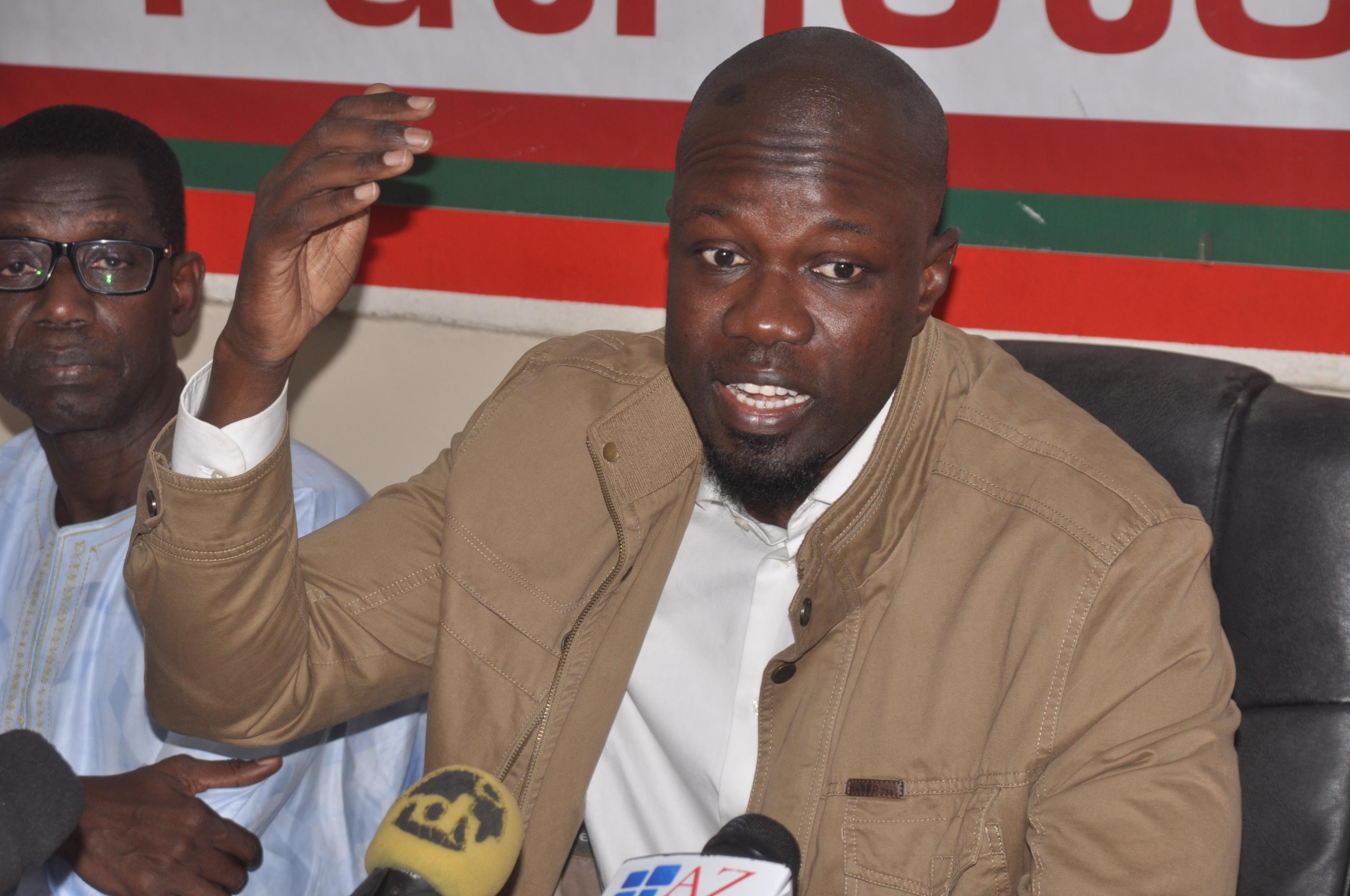 Précision suite aux sorties de Mr Ousmane Sonko sur son refus de prendre les appels de Karim Wade
