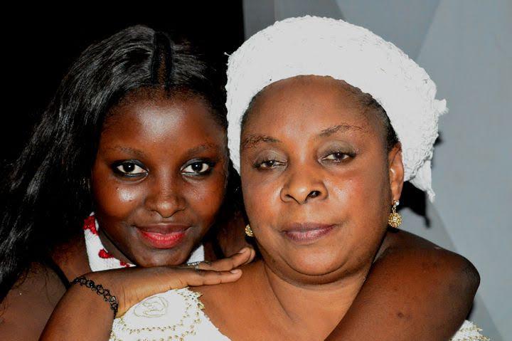 Anniversaire : Abiba et sa mère nées le 31 Juillet .....