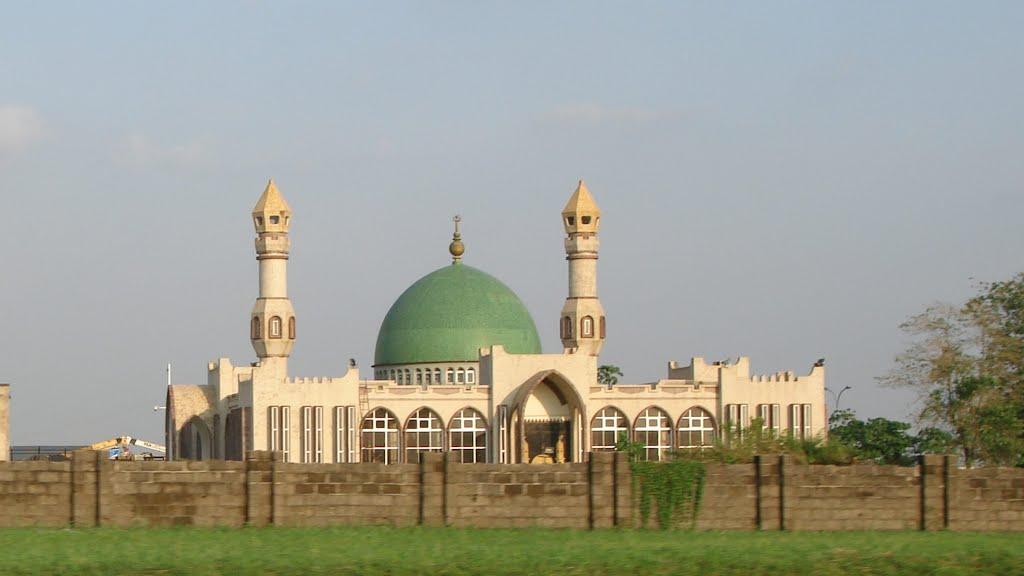 INCANTATIONS DIABOLIQUES DANS UNE MOSQUÉE : Un gourou sénégalais arrêté au Nigéria