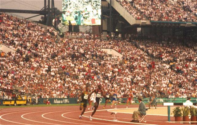 ATLANTA 1996 : LE SÉNÉGAL A RATÉ DE PEU LE BRONZE AU RELAIS 4X400M MASCULIN (JEAN GOMIS)