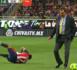 Quand un entraîneur fait un croche-patte à un joueur adverse (vidéo)