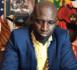 Sa maison prise d'assaut par des jeunes révoltés, Assane Diouf prend ses jambes à son cou et s'enfuit