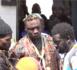 Lutte / Bain de foule chez Ama Baldé en route vers le stade