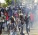 Les marchands ambulants tapent sur la table pour se faire entendre : « Il est temps que les manifestants cessent de détruire nos marchandises… »