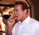 Arnold Schwarzenegger verbalisé pour avoir fumé dans un aéroport
