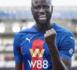 Premier League : Cheikhou Kouyaté, reconverti défenseur  central, désigné homme du match avec Crystal Palace.