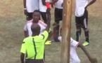 Insolite : Il se déchaîne sur l'arbitre après avoir vu rouge