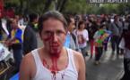 Sang, tambours et costumes macabres : deux ans après la disparition des 43 étudiants, Mexico défile