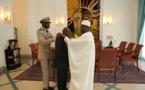Le haut Commissaire sortant de L'OMVS décoré de l'ordre national du lion