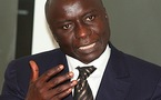 Idrissa Seck débauche 30 députés et sénateurs du PDS.