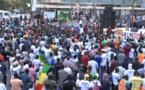 """Mobilisation """"Aar Li Nu Bokk"""" de ce Samedi : Environ 400 personnes estimées. Va t-on vers un essoufflement ou serait-ce la concurrence de la CAN ?"""