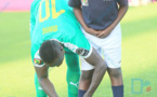 Le geste de classe de Sadio Mané qui refait le lacet d'un enfant (PHOTOS)