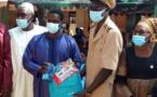 Abdourahmane Baldé, alias Doura du mouvement Kolda debout offre 6000 kits scolaires aux couches vulnérables et les enrôledans la CMU.