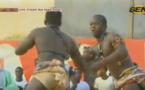 """Video: """"Boy Djiné"""" le mari de la danseuse N'deye Gueye mis KO"""
