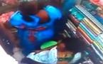 Vidéo – Elles volent un tissu au marché Zinc de Pikine et se font prendre par les caméras de surveillance…