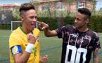Quand Neymar rencontre sa statue de cire (vidéo)