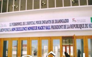 Pris d'assaut par les adultes : Les enfants souffrent à l'hôpital des enfants de Diamniadio.
