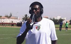 Emmanuel Adebayor au camp de préparation de l'équipe nationale du Togo à Saly  ( complexe Diambars )