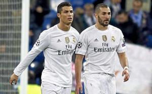Ronaldo et Benzema soutenus par leurs coéquipiers