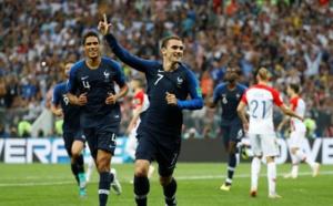 FINALE DE LA COUPE DU MONDE : La France mène 2-1 face à la Croatie à la mi-temps