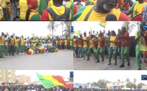 Place de la Nation / Le douzième Gaïndé (toujours à Dakar) à fond derrière le Sénégal.
