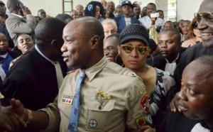 Le chanteur congolais Koffi Olomidé devant un tribunal de Kinshasa, le 16 août 2012. (Image d'archive) © / AFP