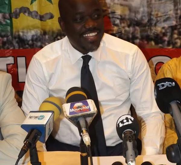 POLITIQUE ET DIPLOMATIE : Macky Sall isolé (par Mamadou Mouth BANE)