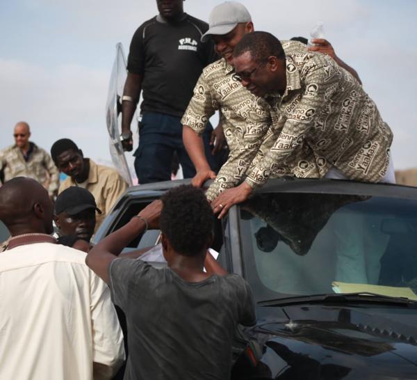 INTIFADA A GRAND-YOFF : Et si Mame Mbaye Niang et Youssou Ndour avaient demandé la protection de Mimi Touré pour pouvoir entrer?