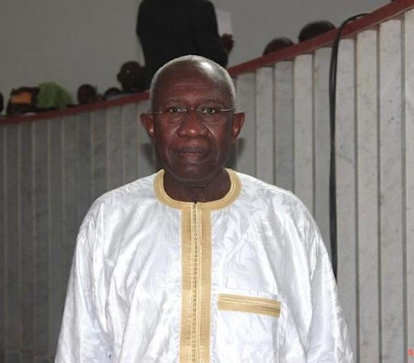 FIN DE SON MANDAT PARLEMENTAIRE : Le Professeur Iba Der Thiam restitue sa carte et ses bons de carburant à l'Assemblée nationale