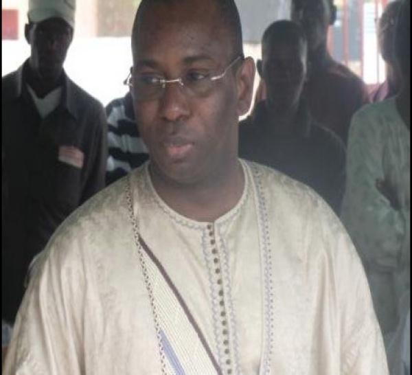 « L'appel d'offres pour la 4ème licence n'est fait que pour amuser la galerie», a lancé un proche d'Abdoulaye Wade à Moustapha Guirassy.