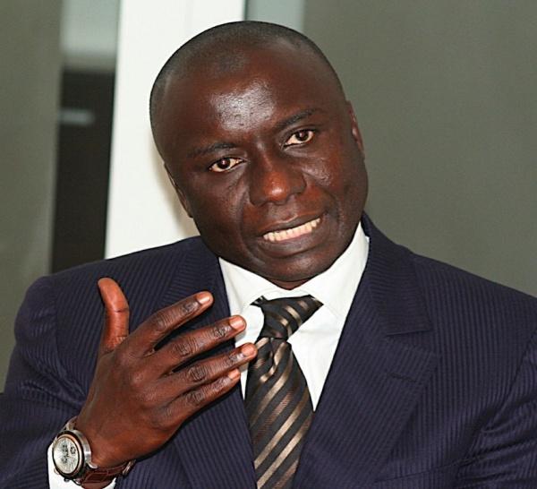 Baptême Chez Ahmed Khalifa Niasse : Idrissa Seck se rappelle le beau vieux temps, raille Madické et snobe Souleymane Ndéné.
