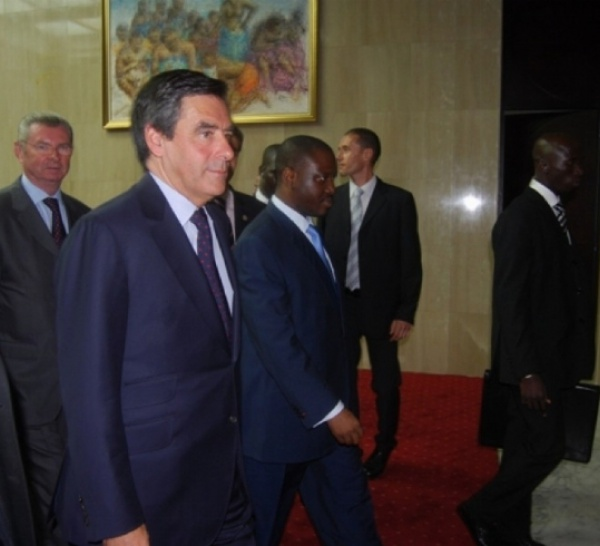 François Fillon à Abidjan, première étape d`une tournée africaine