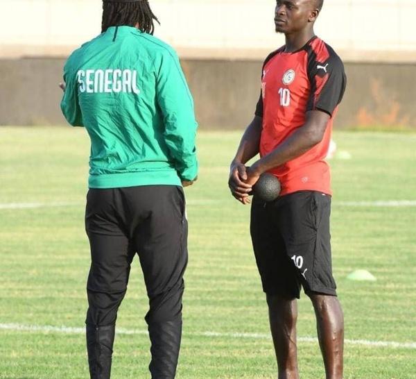2eme Galop d'entraînement des Lions : Sadio Mané qui est arrivé vers 15h, n'a pas pris part à la séance collective...