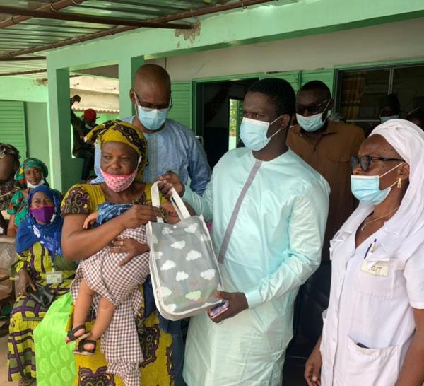 KOLDA : Abdourahmaner Baldé du mouvement Kolda debout appuie les postes de santé de la commune.