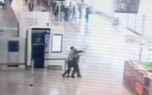 VIDEO. Attaque d'Orly : les premières images sorties des caméras de vidéosurveillance