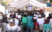 """Mouvement """"Goungué Macky Sall"""" : Maïmouna Ndoye Seck offre un écran géant aux jeunes de la médina pour suivre les matches."""