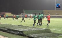 Premier galop d'entraînement : Cheikhou Kouyaté, Lamine Gassama et Saliou Ciss se sont entraînés à l'écart du groupe.