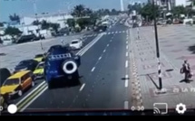 Accident : Voici la voiture de la Gendarmerie qui a foncé sur les taxis dans l'embouteillage (VIDÉO)
