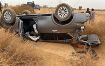 Accident dans le cortège de la tournée économique à Woudourou : le véhicule de Mbaye Pekh et Modou Bara Dolly effectue plusieurs tonneaux